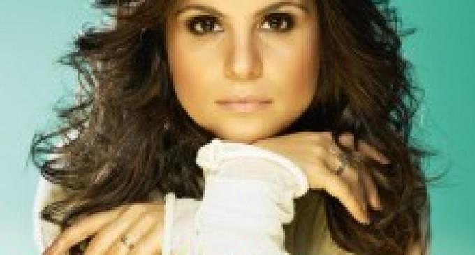 """Aline Barros divulga capa de seu novo CD, """"Graça""""; Confira"""